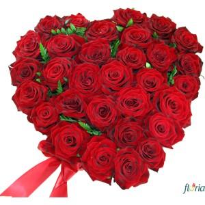 flori-buchet-de-31-trandafiri-rosii-in-forma-de-inima-335